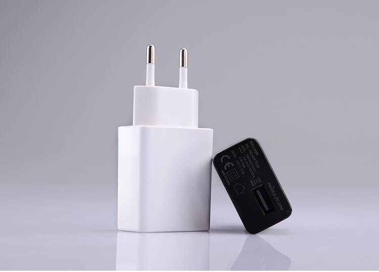 Зарядно устройство Nillkin 2.0А